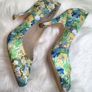 Lands' End flower pattern heels size 7B
